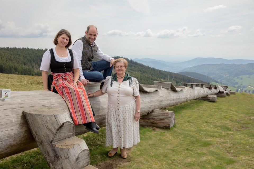 Fredi Boch leitet mit seiner Partnerin Silke Textor in dritter Generation das Hotel Engel in Todtnauberg. Rechts: Senior chefin Walburga Boch