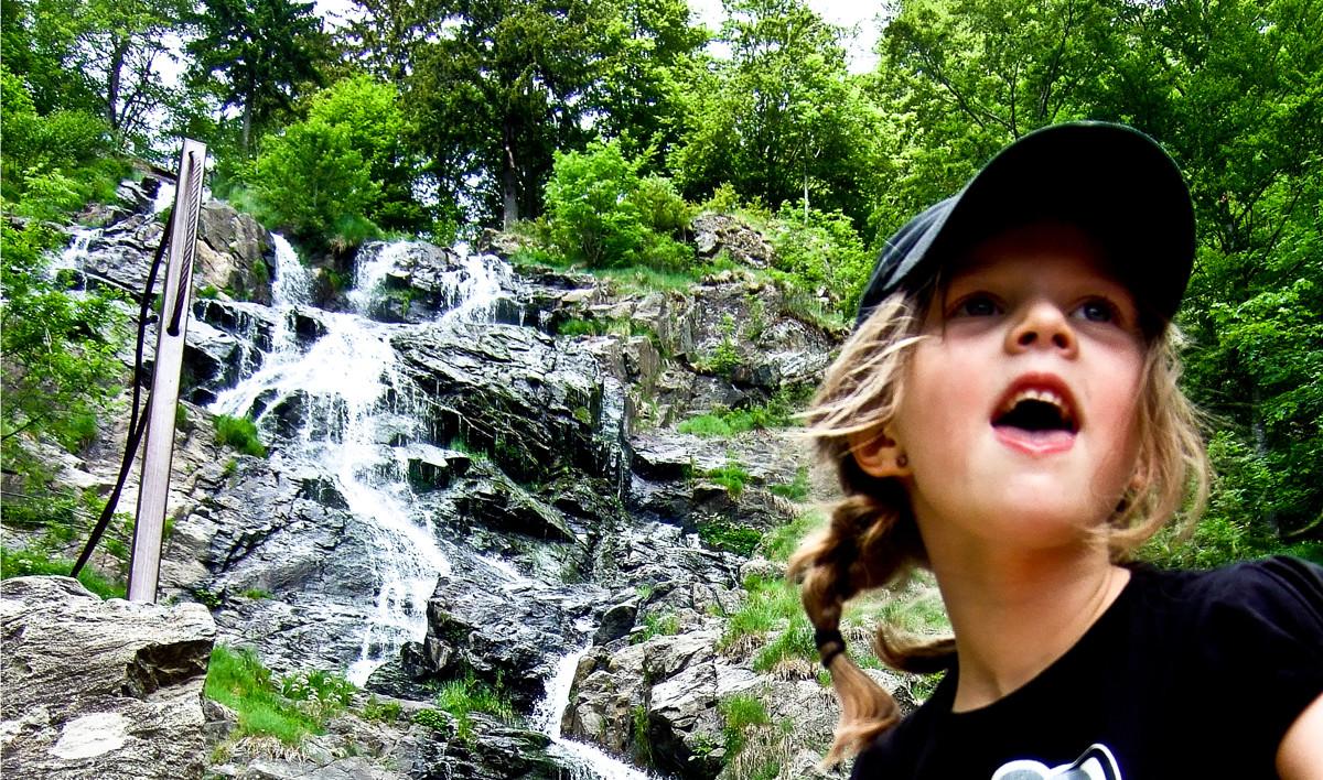 Auf dem Wasserfallsteig kann man ein perfektes Wanderwochenende mit Kindern verbringen