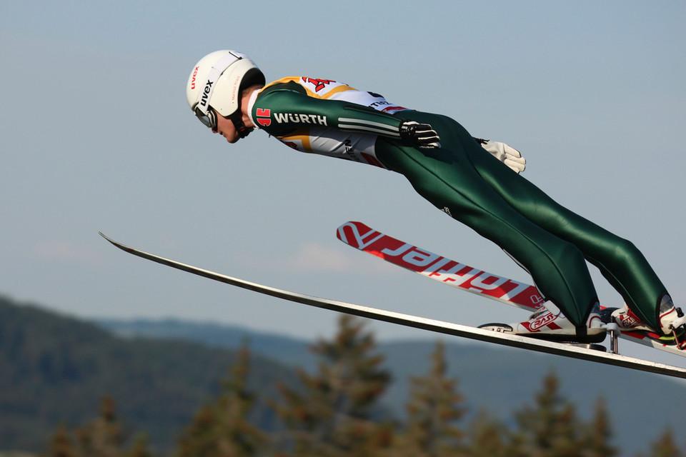 Ausrüstung für das Skispringen