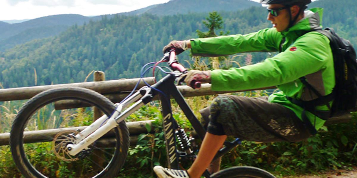 Das Mountainbike aus der Garage und los gehts.