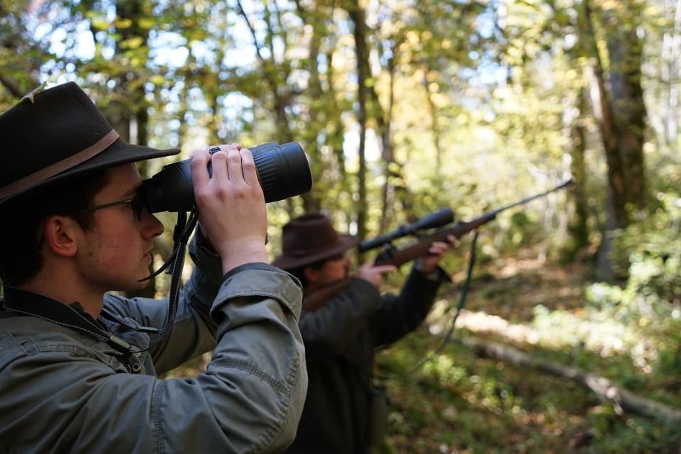 Eingespieltes Team: Timo (l.) und Christian Sibold gehen gerne gemeinsam auf die Jagd.