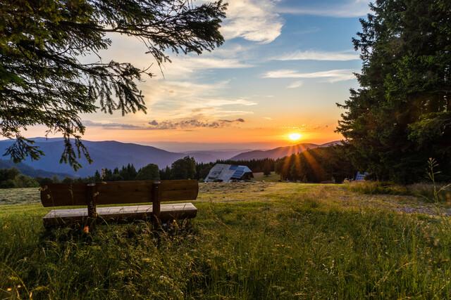 Sonnenuntergang in wunderschöner Schwarzwaldlandschaft