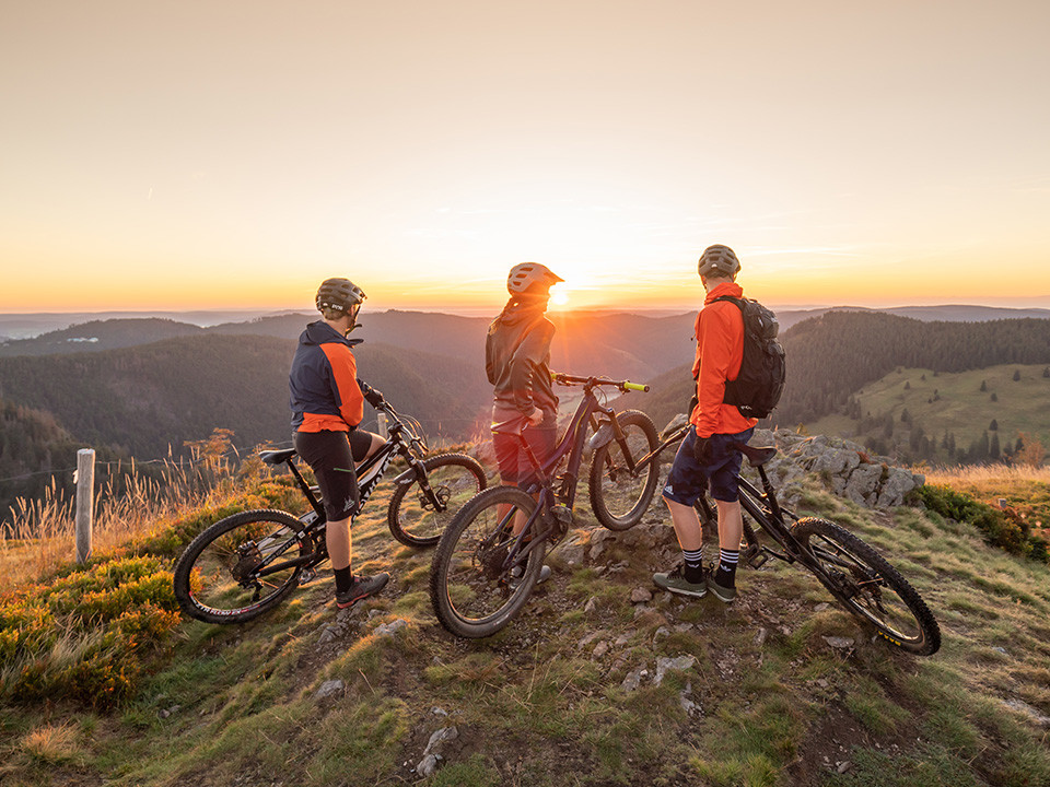 Das Herzogenhorn überzeugt nicht nur durch atemberaubende Sonnenuntergänge sondern gehört auch zu den fünf schönsten Sonnenaufgangs Orten im Hochschwarzwald.