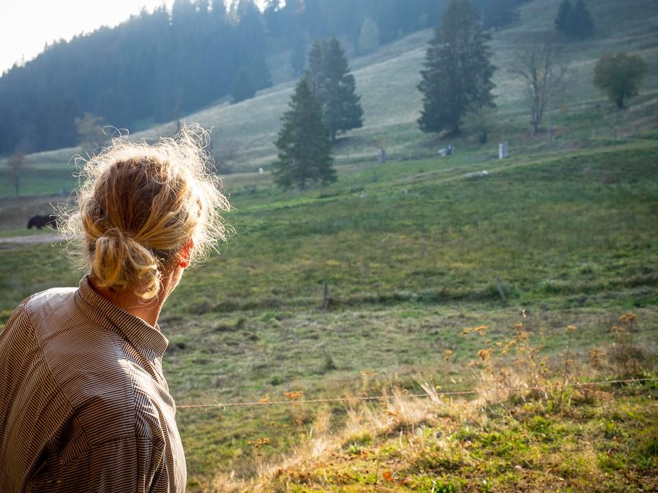 Auf 1.000 Metern Höhe betreiben die Albrechts Landwirtschaft im Vollerwerb. Sie schätzen das einfache Leben - trotz vieler Entbehrungen.