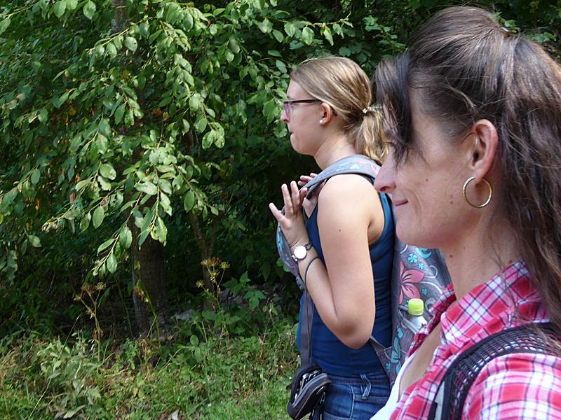 """Die Dreisamtälerin verbrachte eine erlebnisreiche und prägende Kindheit im wunderschönen Naturpark Südschwarzwald. Getreu dem Motto: """"Immer in Bewegung"""", macht sie am liebsten joggend, wandernd oder auf dem Mountainbike die Wälder im Hochschwarzwald unsicher. Nach einer kaufmännischen Ausbildung und Journalismus Studium begann die freischaffende Autorin im Sommer 2015 bei der Hochschwarzwald Tourismus GmbH."""
