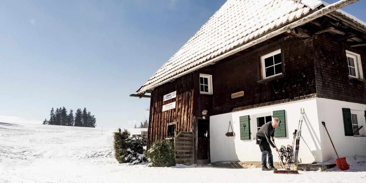 Seit 2003 bewirtet Familie Hug müde Wintersportler in ihrer Loipenstrauße.