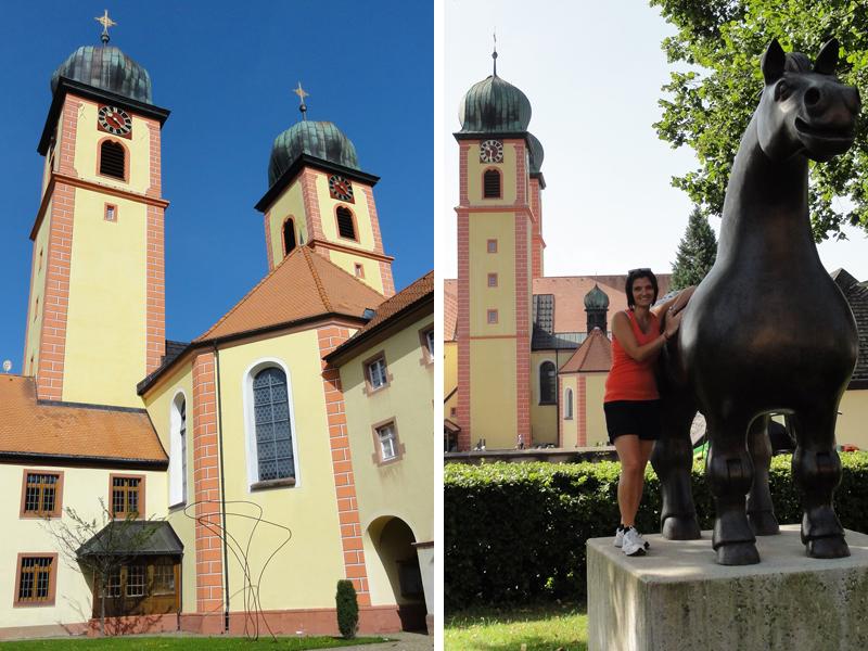Die erste Station unserer Reise, die Pferdestatue von St.Märgen.