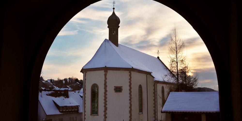 Abt Paulus Pastor schwor 1690, eine Kapelle zu Ehren der heiligen Ursula zu  bauen, wenn das Kloster vom Feuer verschont bliebe.