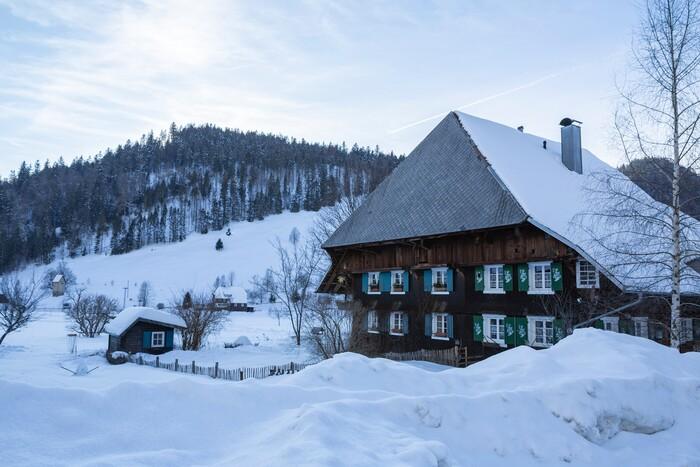 Schwarzwaldhof im Winter