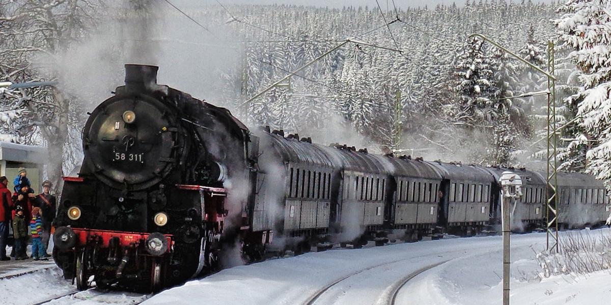 Zeit für Nostalgie - seit Jahren fahren historische Museumszüge auf der Dreiseenbahn an den Sommerwochenenden und rund um Weihnachten.