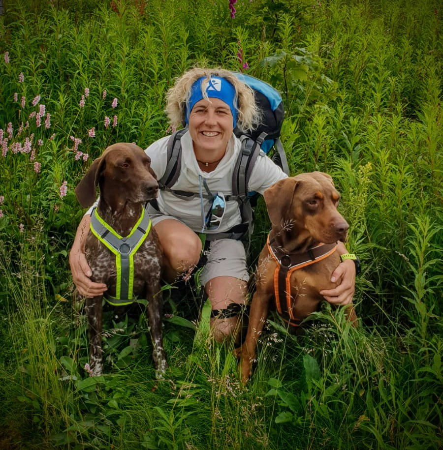 Corinna Hemmann mit ihren Hunden