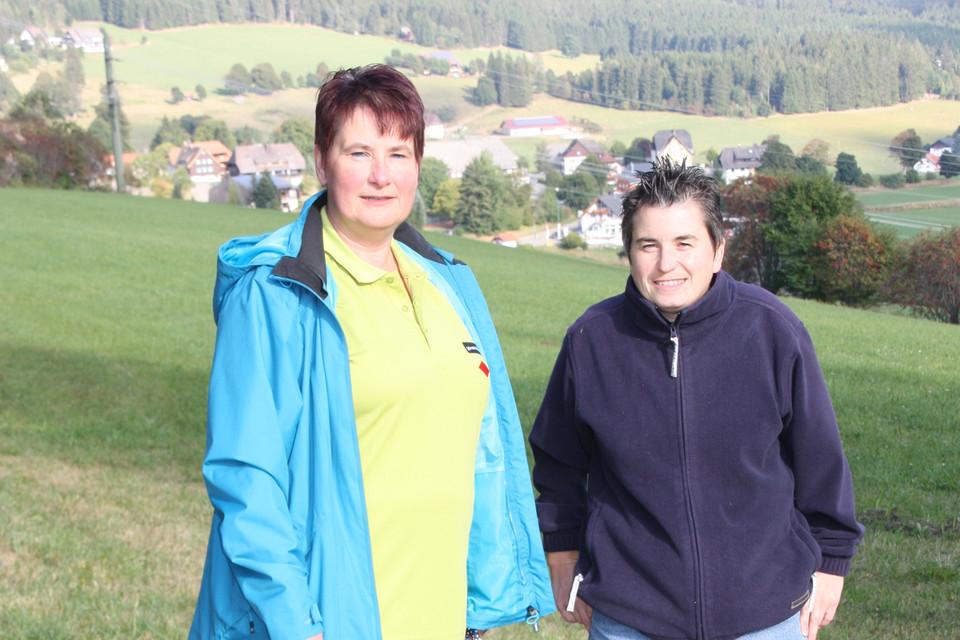 Über 24.000 Kilometer umfasst dieses Wegenetz, gepflegt wird es von rund 300 ehrenamtlich engagierten Wegwarten, Rita Buttenmüller (rechts) ist eine von ihnen.