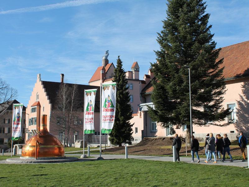 Zum Mittagessen fahren wir wieder nach Rothaus, wo wir im Brauereigasthof Rothaus einkehren.