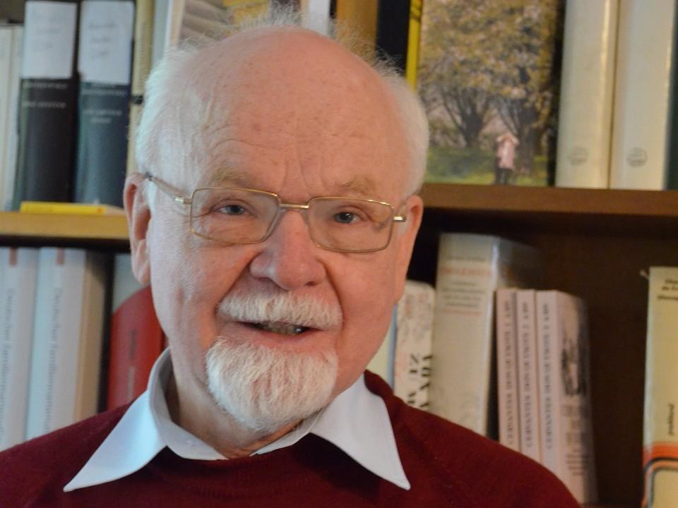 Konrad Kunze ist Namensforscher und kennt sich mit den Ortsnamen und Ihrer Herkunft aus