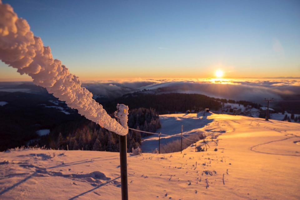 Ein einzigartiges Naturspiel auf dem Feldberg - der Sonnenaufgang.