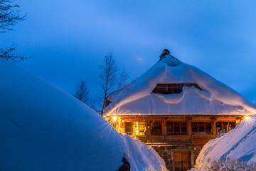 Im Lichterglanz der Hütte