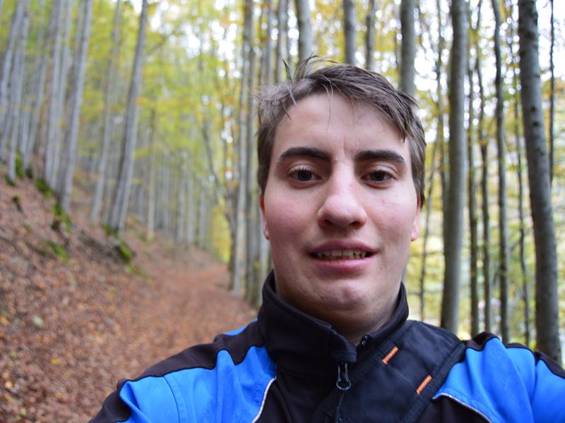 Steffen lebt seit seiner Kindheit in Todtnau und ist seit dem 01. September 2015 Auszubildender bei der Hochschwarzwald Tourismus GmbH. Er ist viel in der Natur unterwegs, sei es auf dem Mountainbike oder zu Fuß. An seiner Seite hat er immer eine Kamera dabei, um die atemberaubende Landschaft des Hochschwarzwalds zu fotografieren.