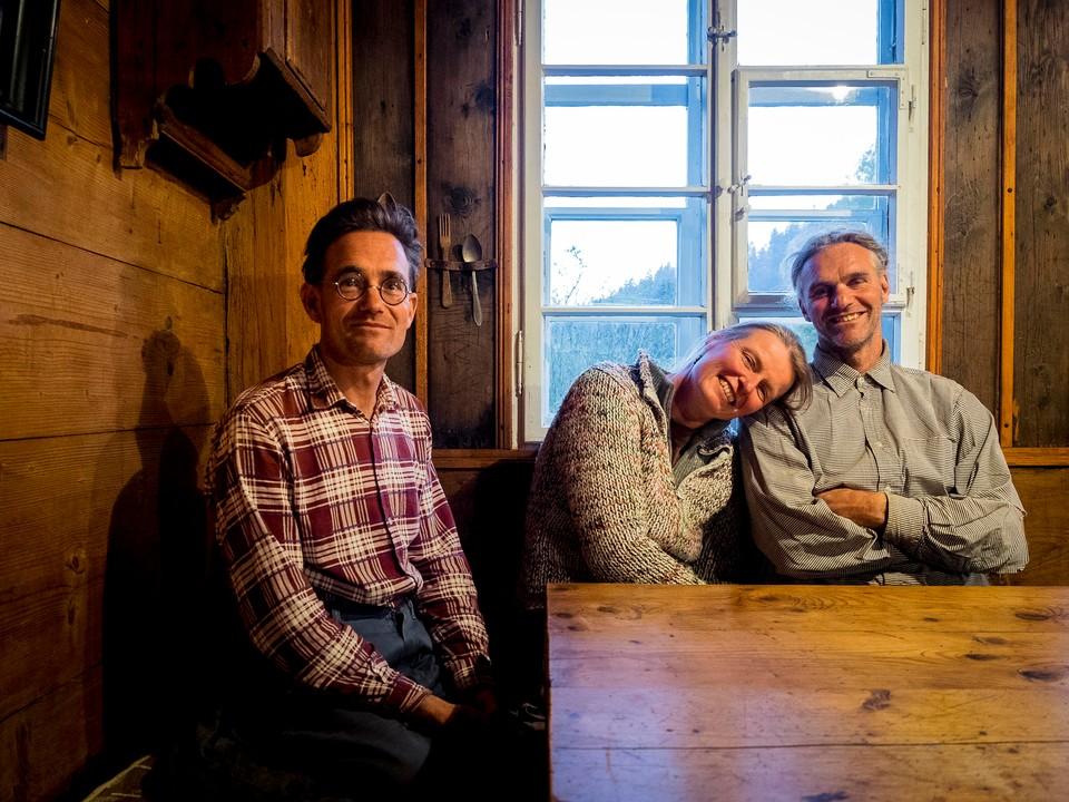 Stolze Hofbesitzer: Oliver, Martina und Holger Albrecht