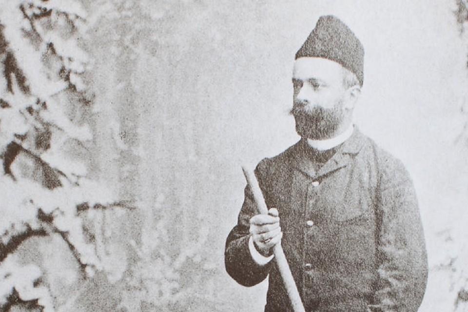 Ein bärtiger Sonderling mit Holzbrettern: Dr. Robert Pilet, französischer Diplomat und Globetrotter.