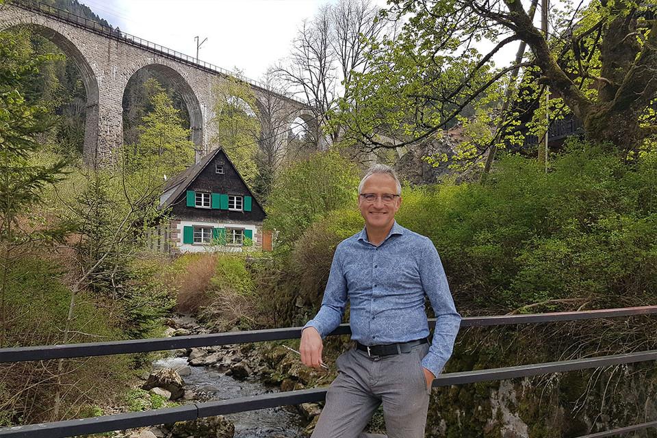 Thomas Drubba ist als Gastronom für die Gastronomie und Hotellerie im Hofgut zuständig.