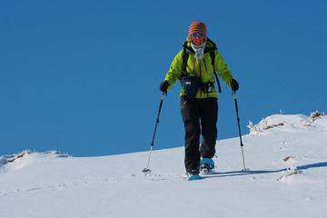 Fünfeinhalb Dinge, die man vor der ersten Schneeschuhtour wissen muss