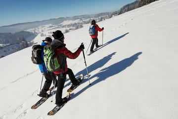 Gut gerüstet für die Schneeschuhtour