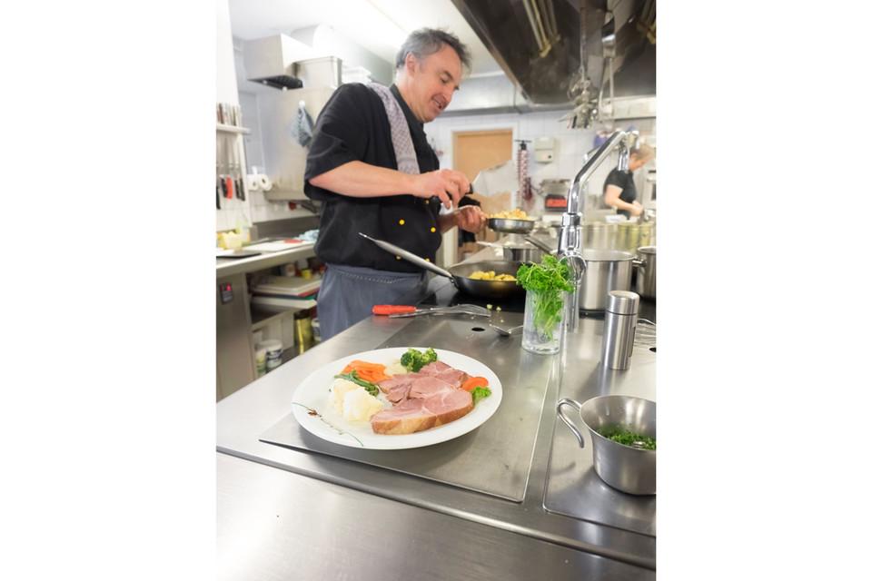 Badische Gerichte und Vesperplatten zählen zu unseren Spezialitäten von Engelwirt Thomas Waldvogel.
