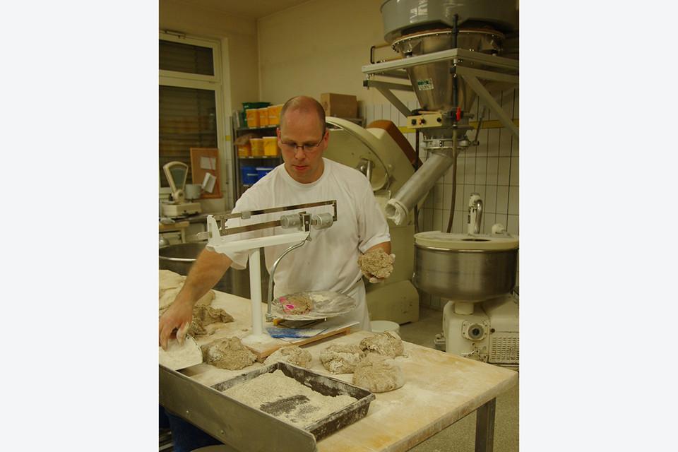 Sohn und Bäckermeister Martin Huber ist fürs Brot zuständig