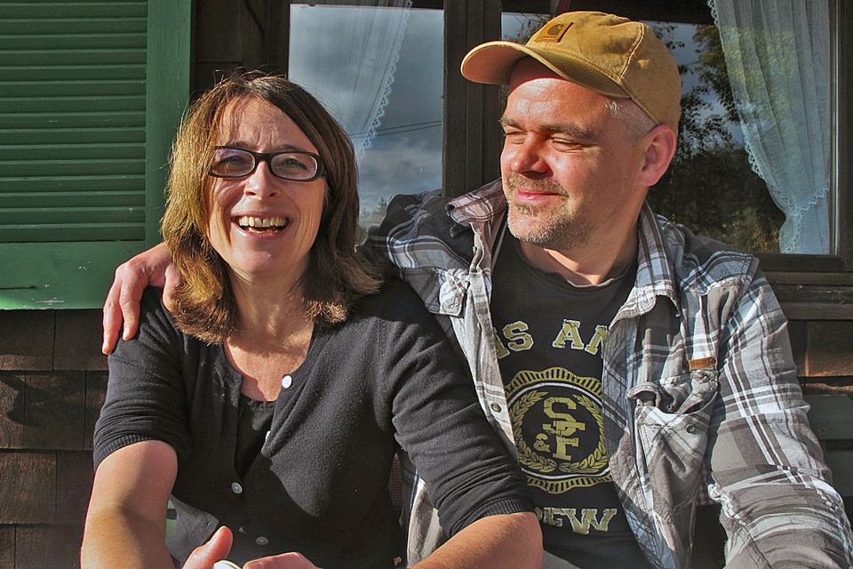 Sabine und Benedikt sind seit über sechs Jahren ein Paar.