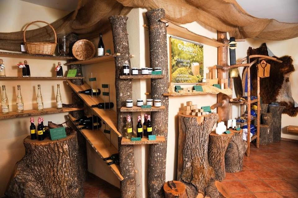 Der liebevoll eingerichtete Hofladen des Ospelehof.