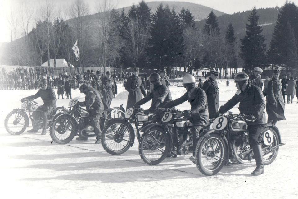 1200x800_Slg Franz Motoradrennen Tiitisee KrABrH