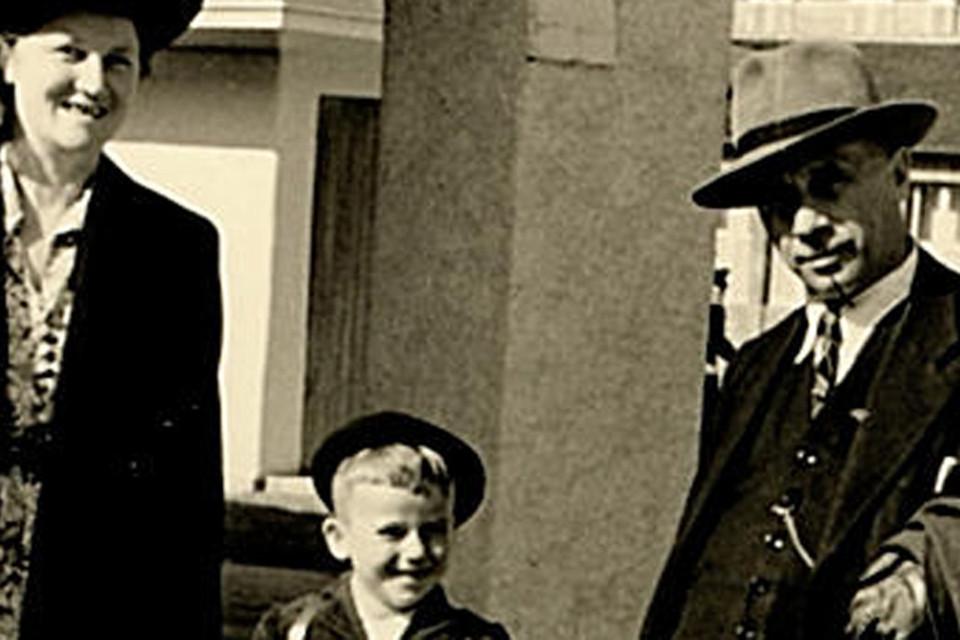 """Klaus Huber, von Haus aus Grundschullehrer, ist im Zweitberuf als Autor durch seine Gedicht- und Aphorismenbände, jedoch auch durch die einstige SWR 4- Sonntagssendung """"Von Zehn bis Zwölf"""" , wo er von Baldur Seifert zitiert wurde, weit über die Region hinaus ein Begriff. Mit Löffingen, wo sein Vater Josef Huber mit seiner Familie über 30 Jahre lang stets den Sommerurlaub verbrachte, verbinden ihn Erinnerungen an eine unbeschwerte Kindheit, die unter anderem durch neun Ferienaufenthalte dort geprägt sind."""