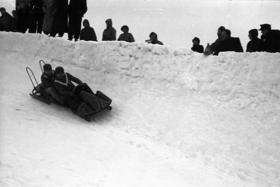 Am Wettkampftag zeigt das Thermometer minus 20 Grad. Der Eiskanal ist spiegelglatt und extrem hart.