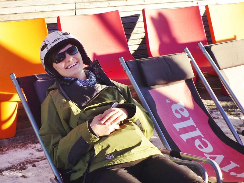 """Svenja, unsere """"Reingschmeckte"""", stammt aus dem schönen Hohenlohe-Frankenland und absolvierte ihr duales Studium bei der Hochschwarzwald Tourismus GmbH. Nach Ihrem Studium übernahm sie die Teamleitung der Tourist-Information in St. Märgen. In den Hochschwarzwald hat sie sich seit dem ersten Tag verliebt und kein Tag geht vorüber, an dem sie nicht die Region per Pedes oder mit dem Mountainbike Stück für Stück entdeckt. Svenja hat sich bereits als echte Schwarzwälderin gemausert!"""