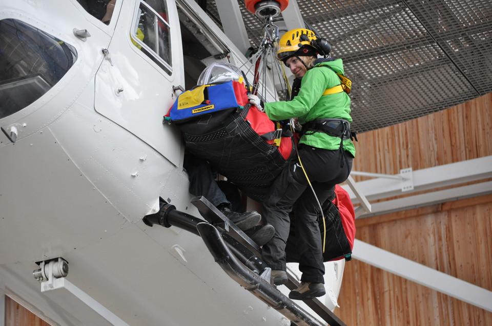 Martina Mayrock Bergwacht Simulation Hubschrauber