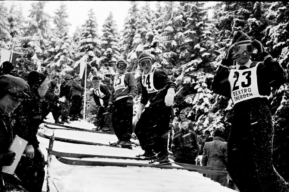 Thoma mit der Startnummer 24 bei den Deutschen Skimeisterschaften Nordische Kombination im Jahr 1955.