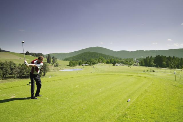 Golfer auf Golfkurs